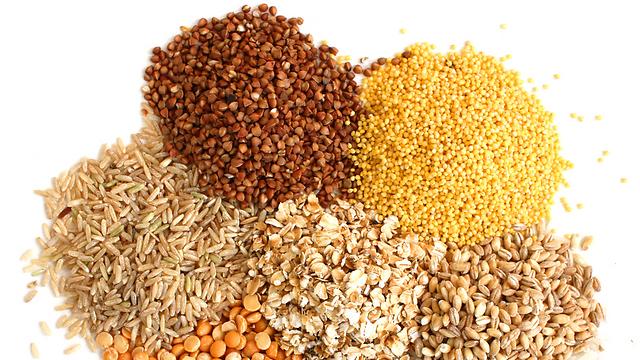 דגנים מלאים - היתרונות התזונתיים נמצאים בנבט ובסובין (צילום: Shutterstock) (צילום: Shutterstock)