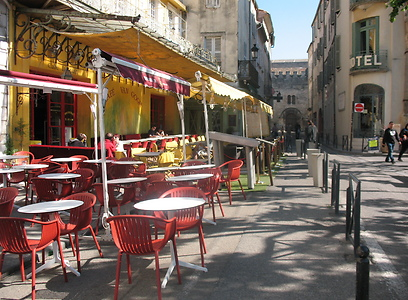 """אספרסו של ציירים. בית קפה """"ואן גוך"""" בארל (צילום: שחר חי) (צילום: שחר חי)"""