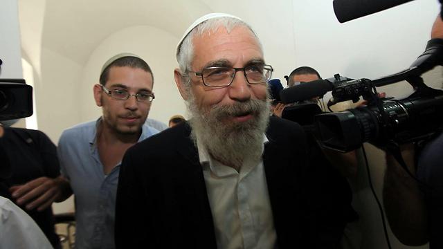 Rabbi Elon in court (Photo: Gil Yohanan)