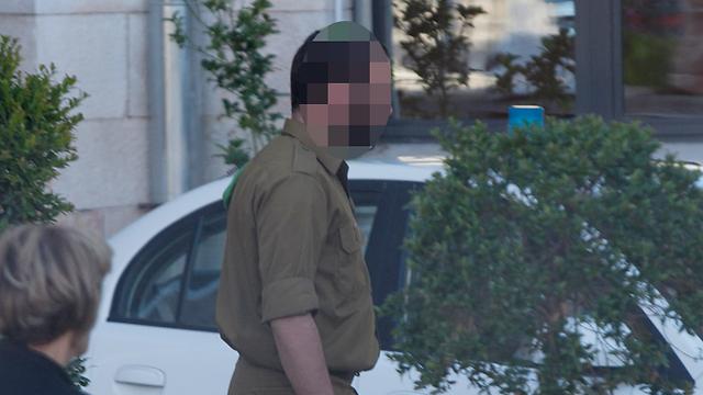 """""""לא מפחד מהם"""", החייל שהותקף בירושלים (צילום: אוהד צויגנברג)"""