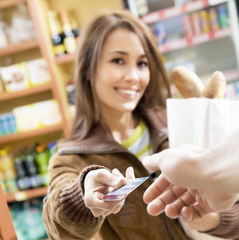 למה מועדוני לקוחות מפרסמים באינטנסיביות? כדי שתרגישו פראיירים שאתם לא חברים במועדון (צילום: shutterstock) (צילום: shutterstock)