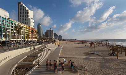טיילת תל אביב, היום (צילום: ירון ברנר) (צילום: ירון ברנר)