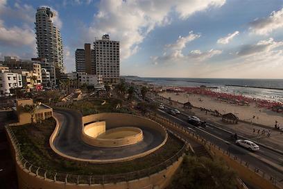 טיילת חוף תל-אביב, היום (צילום: ירון ברנר) (צילום: ירון ברנר)