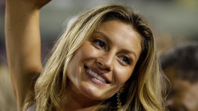 אוהבת לנפוש במדינת הולדתה, ברזיל. ג'יזל בריו (צילום: AP)