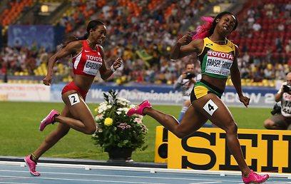שלי אן פרייזר פרייס. רק 1.52 מ', אבל חתיכת היסטוריה רשומה על שמה (צילום: AFP) (צילום: AFP)