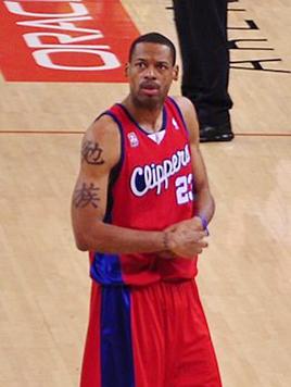 חתם ביוסטון לאחר ששוחרר. קמבי