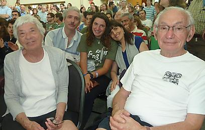 שלושה דורות של אמריקאים, וכמעט-חיילת ישראלית אחת. משפחת הורוביץ (צילום: לירון נגלר-כהן) (צילום: לירון נגלר-כהן)