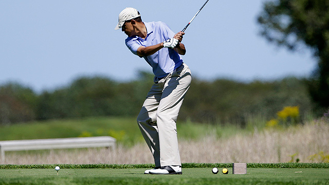 Obama in Martha's Vineyard (Photo: AP)