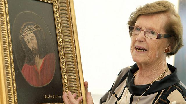 חימנז. זכתה לתערוכה של עבודותיה ול-49 אחוזים מהרווחים (צילום: EPA)