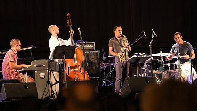 אנטוניו סאנצ'ז בפסטיבל ג'אז בים האדום  (צילום: מוטי קמחי) (צילום: מוטי קמחי)