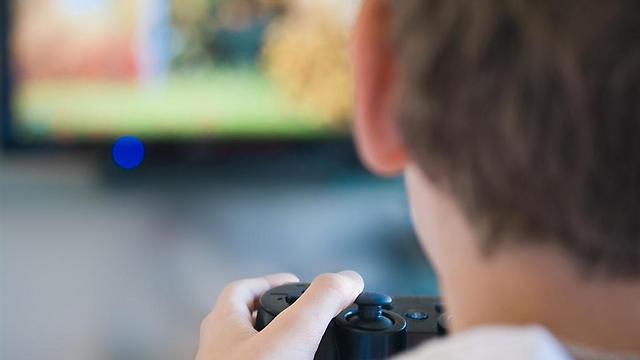 מתארים עולם מוכה ביטחונית וצבאית באמצעות משחקי מחשב (צילום: shutterstock)