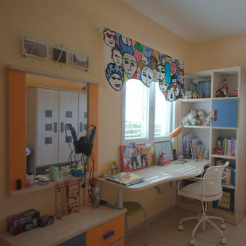 לאזור הכנת שיעורי בית יש חלק נכבד בהצלחת חדר הילדים (צילום: גיל דור ) (צילום: גיל דור )