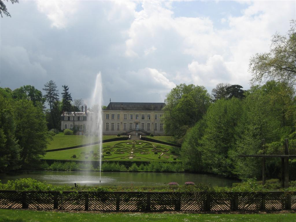 הגנים הבוטניים של העיר - תפארת הגננים הצרפתים (צילום: מאיה וינברג) (צילום: מאיה וינברג)