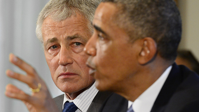 Weighing options. Hagel (L), Obama (Archive photo: EPA)