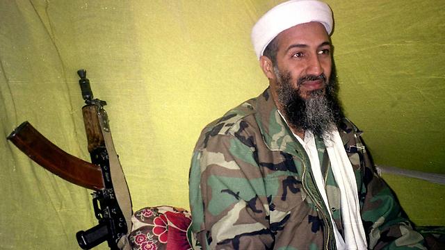 מנהיג אל-קאעידה חוסל, אבל לא איום הטרור האיסלאמיסטי. בן לאדן (צילום: AP)