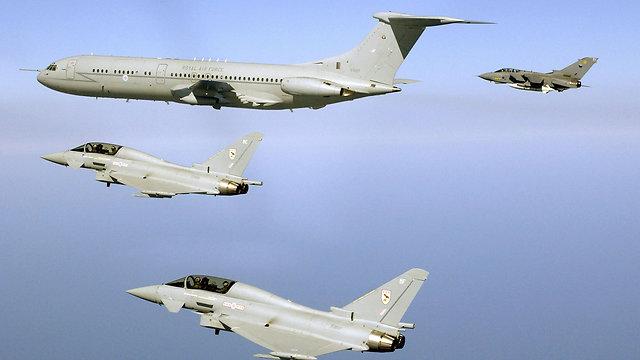 מטוסי חיל האוויר המלכותי (צילום: AFP, ROYAL NAVY  SAC Taz Hetherington   ) (צילום: AFP, ROYAL NAVY  SAC Taz Hetherington   )