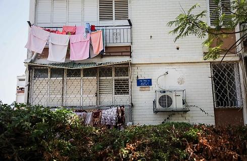 רחוב נחל עוז בתל-אביב. 550 אלף שקל ל-3 חדרים (צילום: אבישג שאר-ישוב)