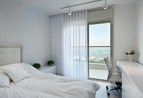 מבט אל חדר השינה של אחד הילדים (צילום: עודד סמדר) (צילום: עודד סמדר)