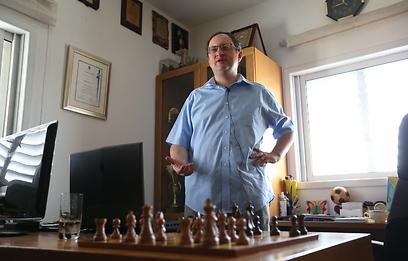 """בוריס גלפנד: """"צריך כושר גופני בשחמט"""" (צילום: אורן אהרוני) (צילום: אורן אהרוני)"""
