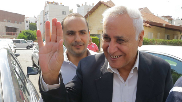 Katsav on his first furlough from prison (Photo: Gadi Kabalo)