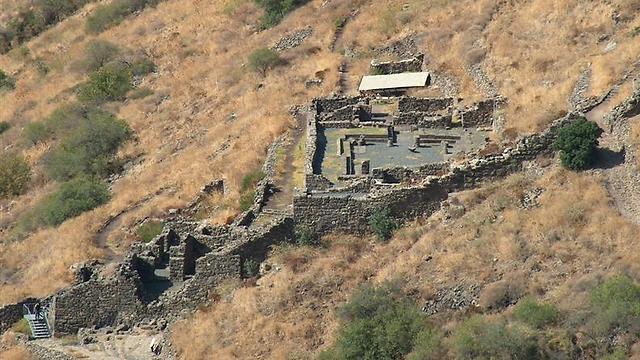 אספסיאנוס וחייליו הצליחו לבסוף למוטט החומות. גמלא העתיקה (צילום: עומר יגאל) (צילום: עומר יגאל)