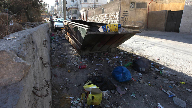 Municipality neglect in East Jerusalem (Photo: Gil Yohanan)