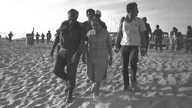 Golda Meir and Ariel Sharon in Sinai, 1973 (Photo: GPO) (Photo: GPO)