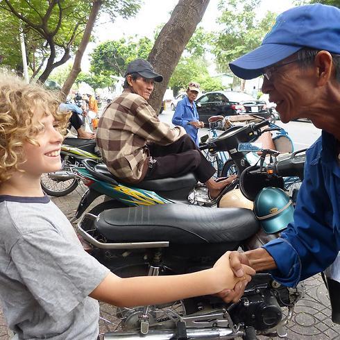 הילדים לומדים עצמאות ולהסתדר בעצמם (צילום פרטי) (צילום פרטי)