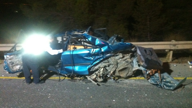 """תאונה קטלנית בכביש ב-2013, שני אחים נהרגו (צילום: דוברות מד""""א)"""