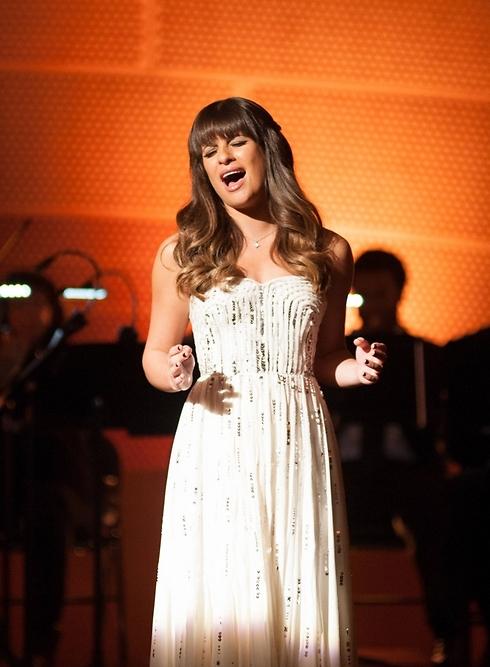 """השחקנית ליאה מישל ב-""""Glee"""". היתה בת זוגו של מונטית' בסדרה ובמציאות ()"""