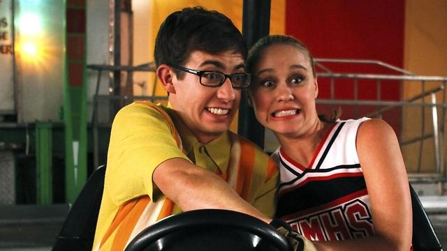 """מתוך העונה החדשה של """"Glee"""". """"עוד לא יודעים מה יקרה"""" ()"""