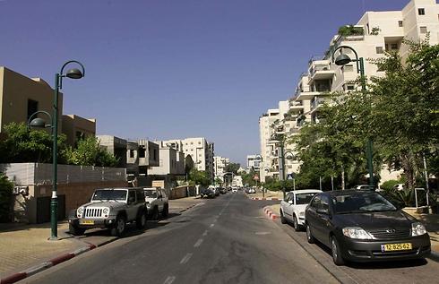 רחוב הפרחים ברמת השרון. מחיר ממוצע של 3.17 מיליון שקל (צילום: עידו ארז)