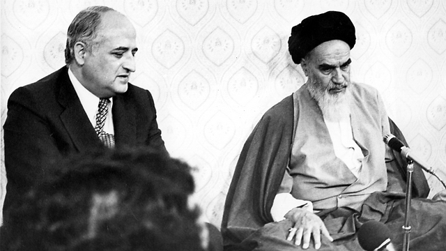 Ayatollah Khomeini with the Turkish foreign minister in 1979 (Photo: Getty Images)