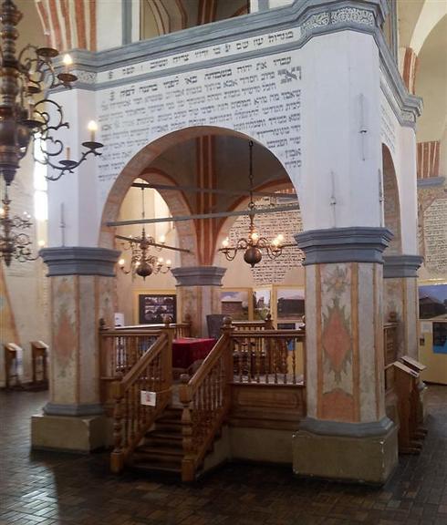 1,600 יהודים חיו בעיירה. בית הכנסת בטיקוצ'ין (צילום: גלעד מורג)