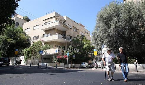 """רחוב החשמונאים 128 בת""""א. דירה ממוצעת שווה 4 מיליון שקל (צילום: ירון ברנר)"""
