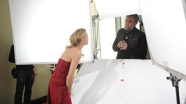 ארי פולמן מביים את רובין רייט במציאות ()