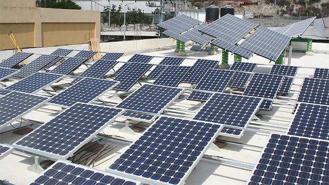 פאנלים סולאריים (באדיבות חברת ירוק אנרגיה מהטבע) (באדיבות חברת ירוק אנרגיה מהטבע)