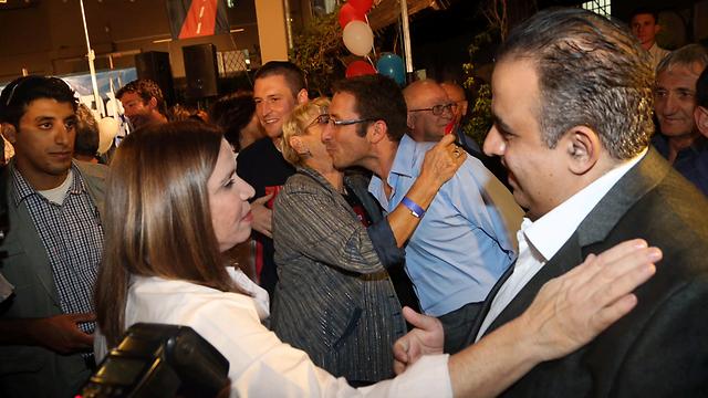 שפע ברכות. יחימוביץ' באירוע ההשקה, הערב (צילום: מוטי קמחי) (צילום: מוטי קמחי)