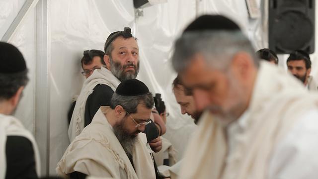 חברי הכנסת אלי ישי ואריה דרעי (צילום: אמיר לוי) (צילום: אמיר לוי)