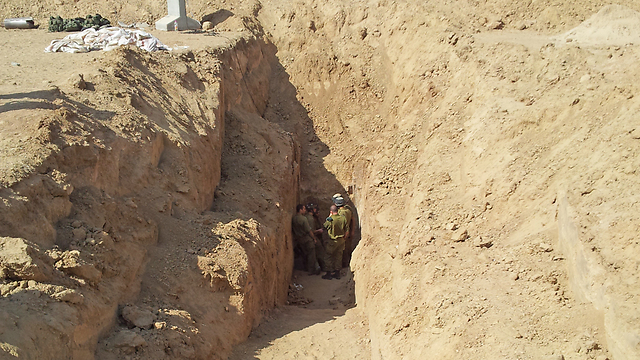 העומק הממוצע - 18 מטרים (צילום: הרצל יוסף) (צילום: הרצל יוסף)