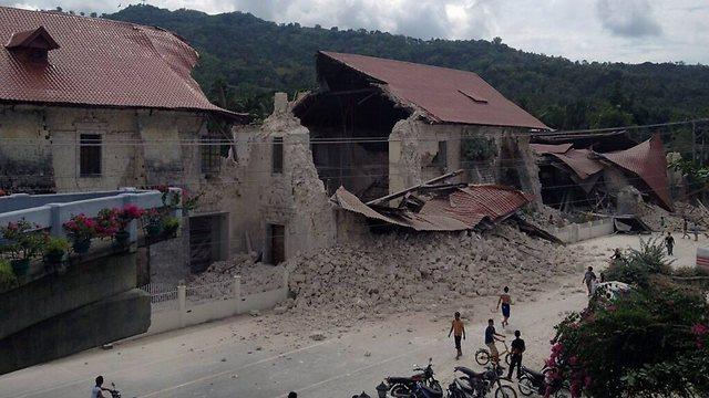 בניין שהתמוטט (צילום: AFP)