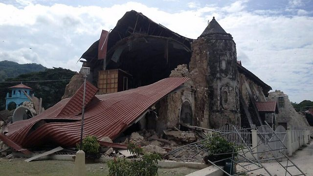 כנסייה שקרסה (צילום: AFP)
