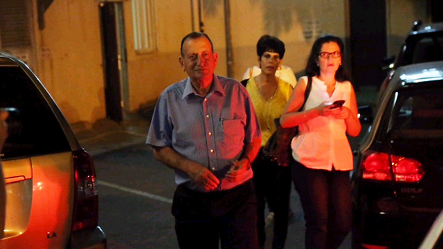 Ron Huldai arrives at campaign HQ (Photo: Motti Kimchi) (Photo: Moti Kimchi)