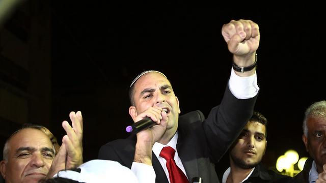 יאיר רביבו חוגג ניצחון (צילום: אבי מועלם) (צילום: אבי מועלם)