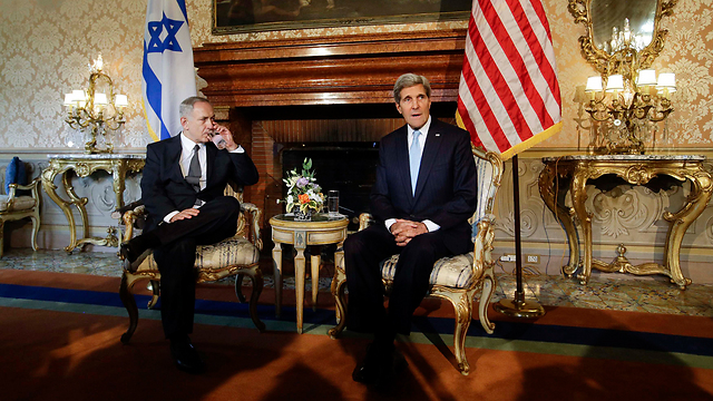 Netanyahu (L) and Kerry in Rome (Photo: Reuters)