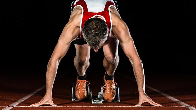למניעת פציעות לפני אימון גופני צריך חימום דינמי (צילום: shutterstock) (צילום: shutterstock)