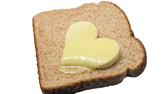 חמאה מכילה כולסטרול והרבה שומן רווי (צילום: shutterstock) (צילום: shutterstock)