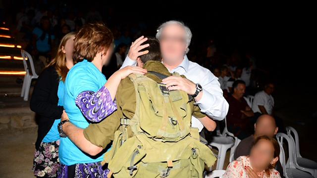 Emotional reunion (Photo: IDF Spokesperson's Unit)