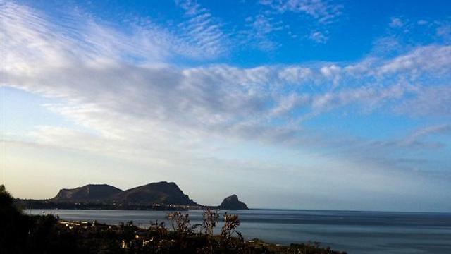 אי בתוך ים של הרים. סיציליה  (צילום: אשת טורס) (צילום: אשת טורס)