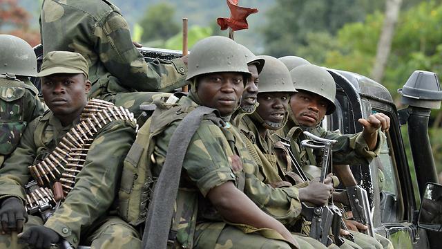 בשנות ה-60 עשתה ישראל שימוש ציני בידע שלה במדיניות הסיוע שלה למדינות אפריקאיות. חיילים קונגולזים (צילום: AFP)